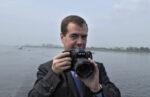 Дмитрий Медведев поздравил россиян в инстаграм